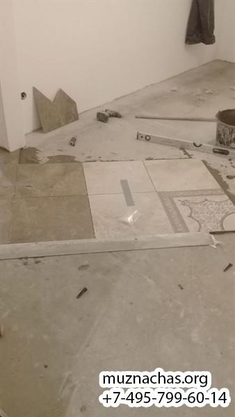процедура укладки напольной плитки