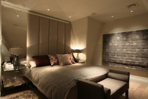 Установка освещения в спальне